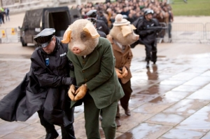Guardian-Three-Little-Pigs-ad-still